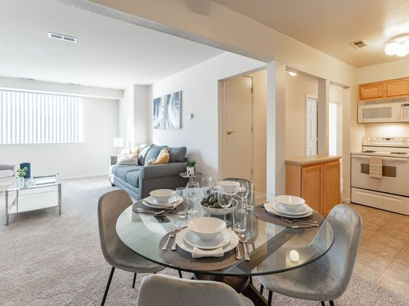 homes for sale in schaumburg il